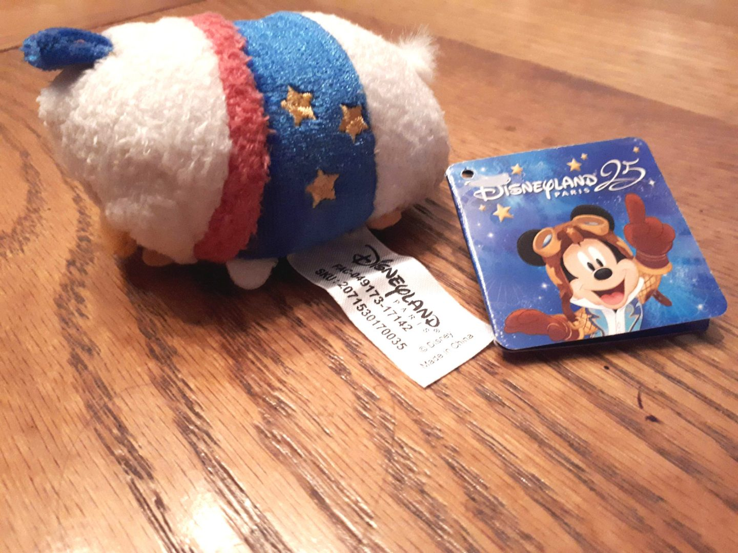 disney haul donald duck disneyland paris giveaway