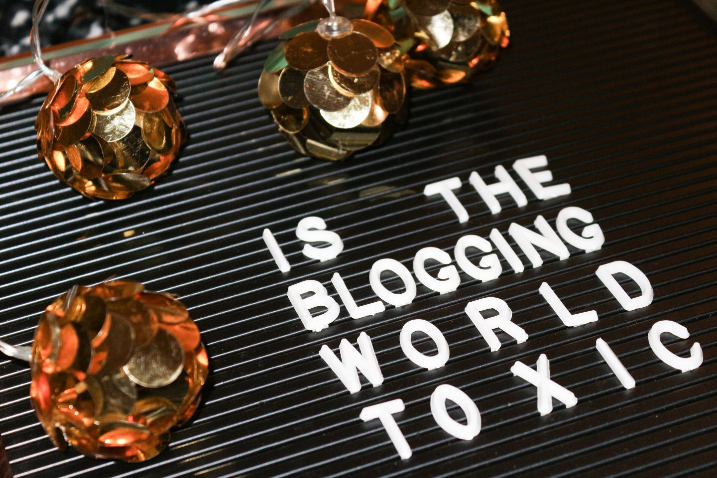 blogging world toxic toxicity bloggers stereotypes